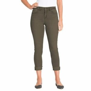 J.Simpson Ladies Relaxed Skinny Roll Crop Jean